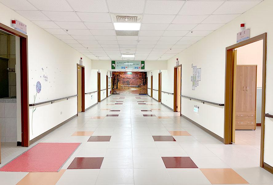 培靈醫療社團法人附設精神護理之家-走廊