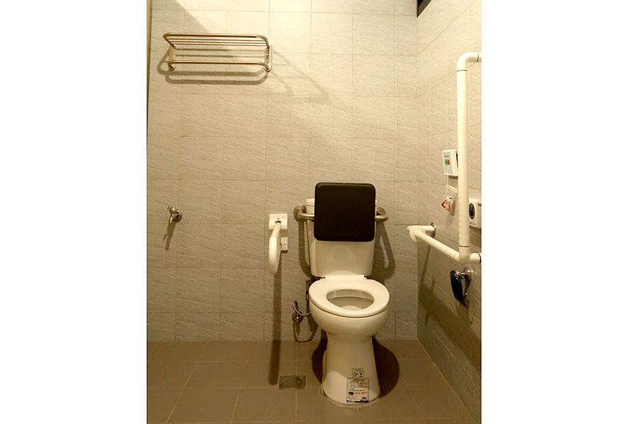 臺南市私立府前社區長照機構(日間照顧中心)洗手間