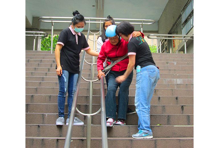 台北市重建樂活護理之家-戶外活動