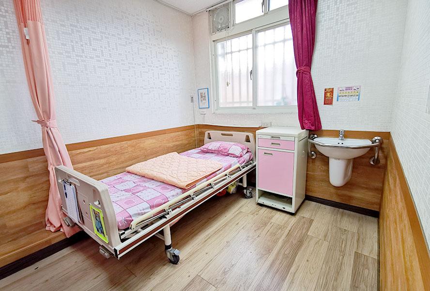 新北市私立馨安老人長期照顧中心(養護型)-房間1