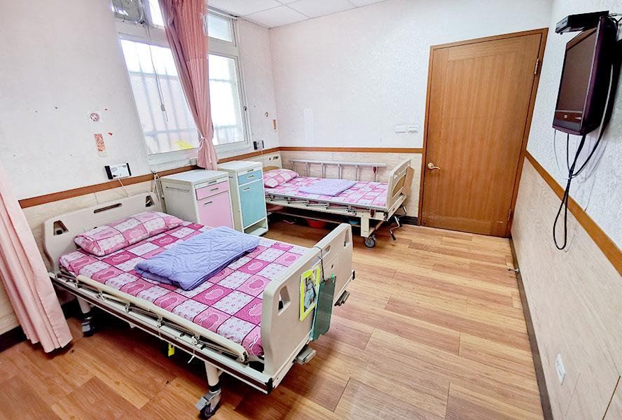 新北市私立安馨老人長期照顧中心(養護型)-房間1