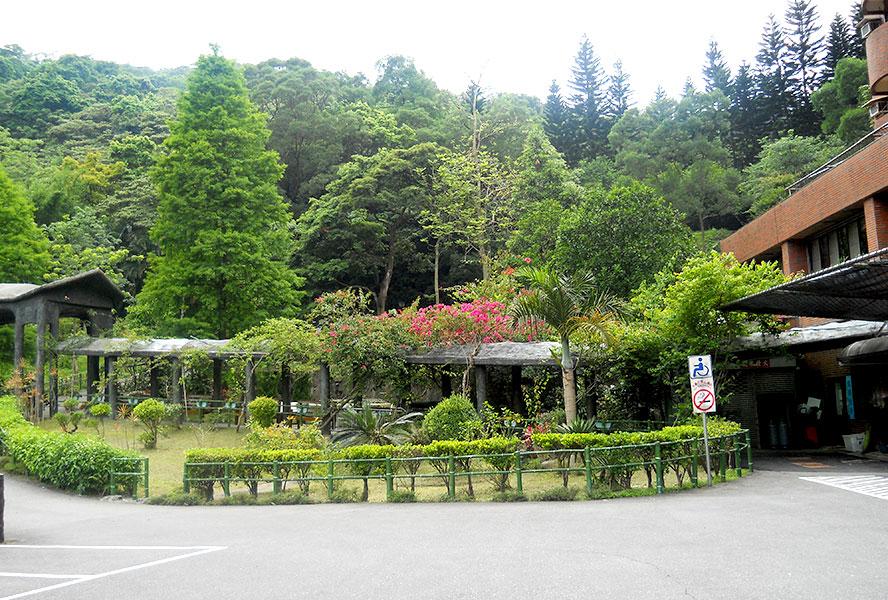 財團法人台灣省私立健順養護中心-戶外環境1
