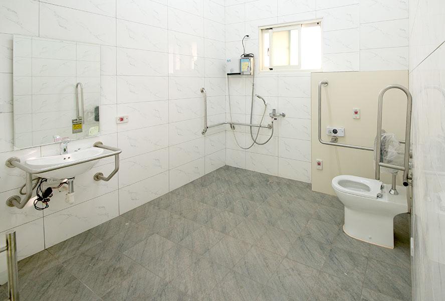 嘉義縣私立孝樂老人長期照顧中心(養護型)-無障礙衛浴