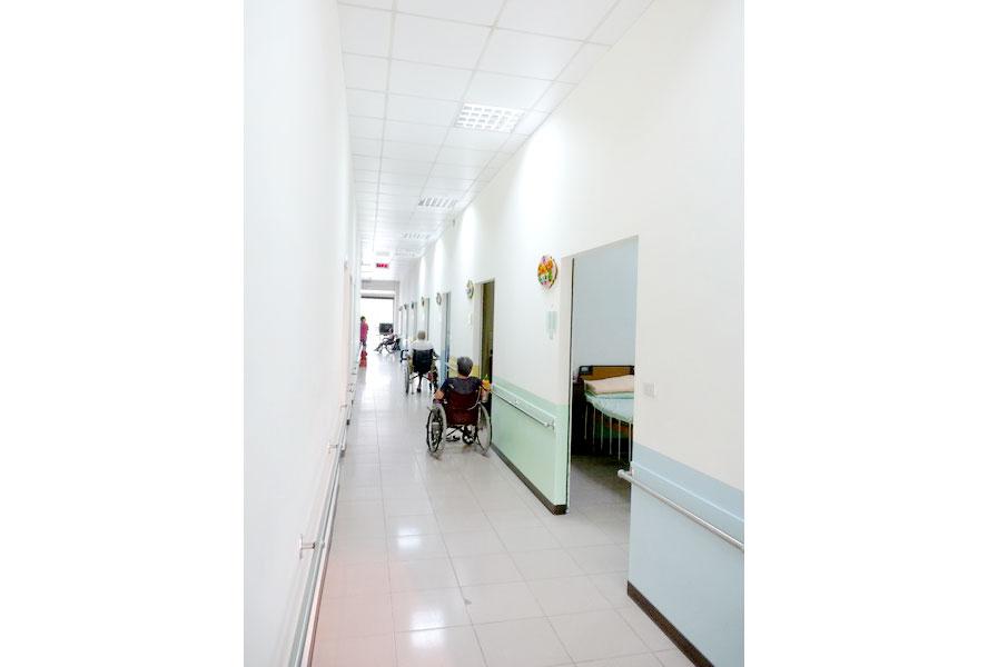 臺南市私立慈安老人長期照顧中心(養護型)-走廊1