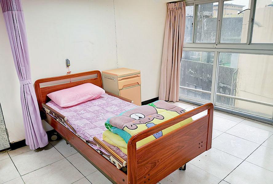 桃園市私立台大老人長期照顧中心(養護型)-房間1