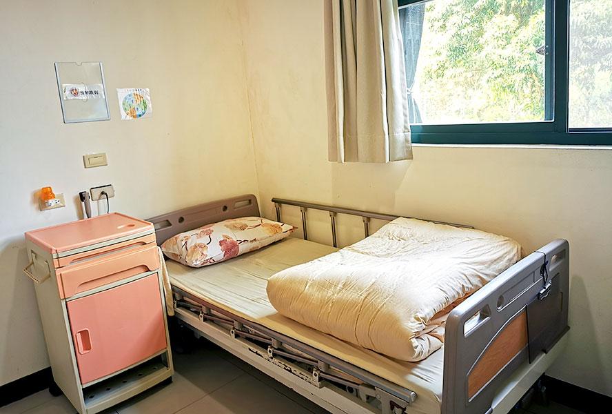 桃園市私立富佑老人長期照顧中心(養護型)-房間1
