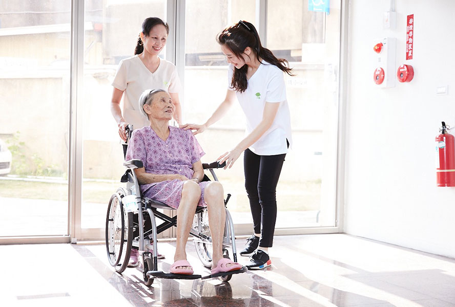 彰化線東大眾護理之家-優質照護