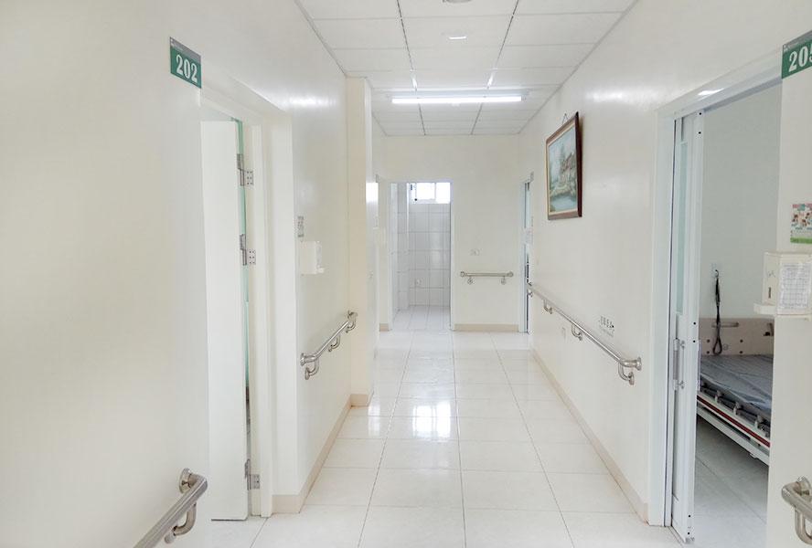 臺南市私立藤龍老人長期照顧中心走廊