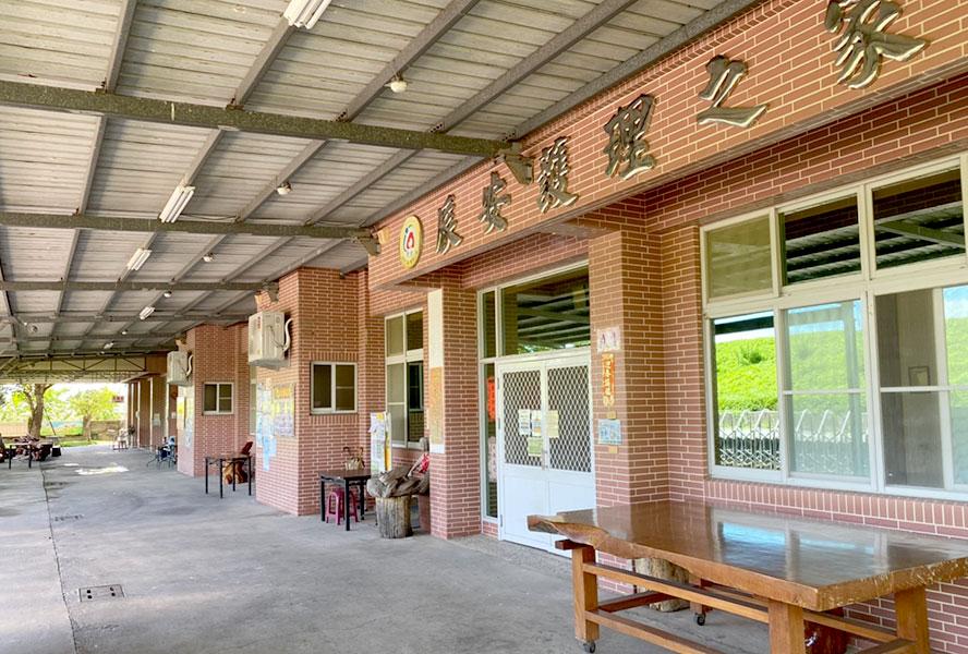 台南市辰安護理之家門口