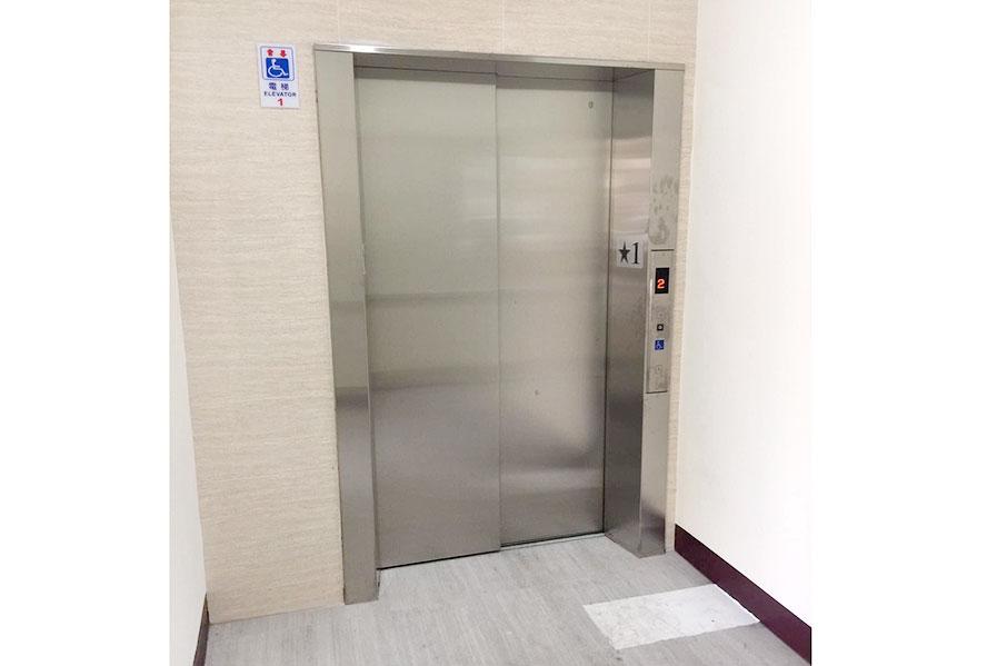 彰化縣晨閔老人長期照顧中心電梯