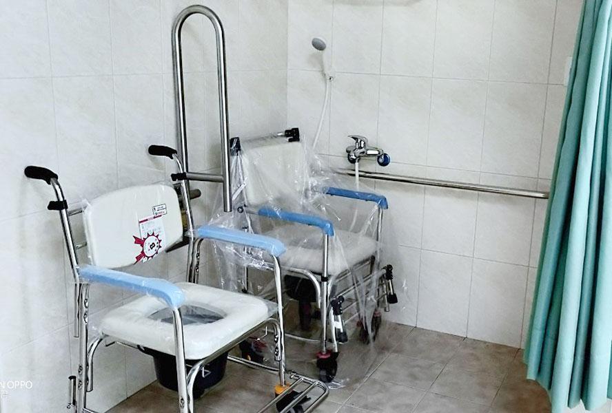 彰化縣詮福莊園老人長期照顧中心(養護型)-洗澡椅