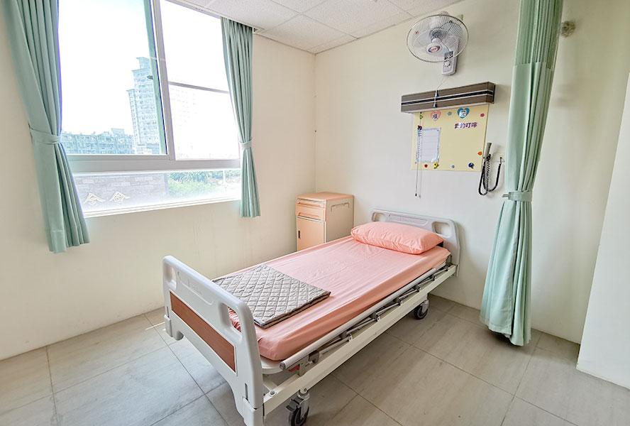 臺南市私立怡安老人長期照顧中心(養護型)-房間1
