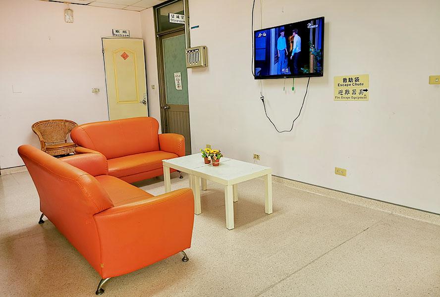 臺南市官田老人養護中心-休息區3