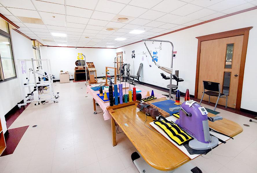 台南市台南市天壇老人養護中心-復健區