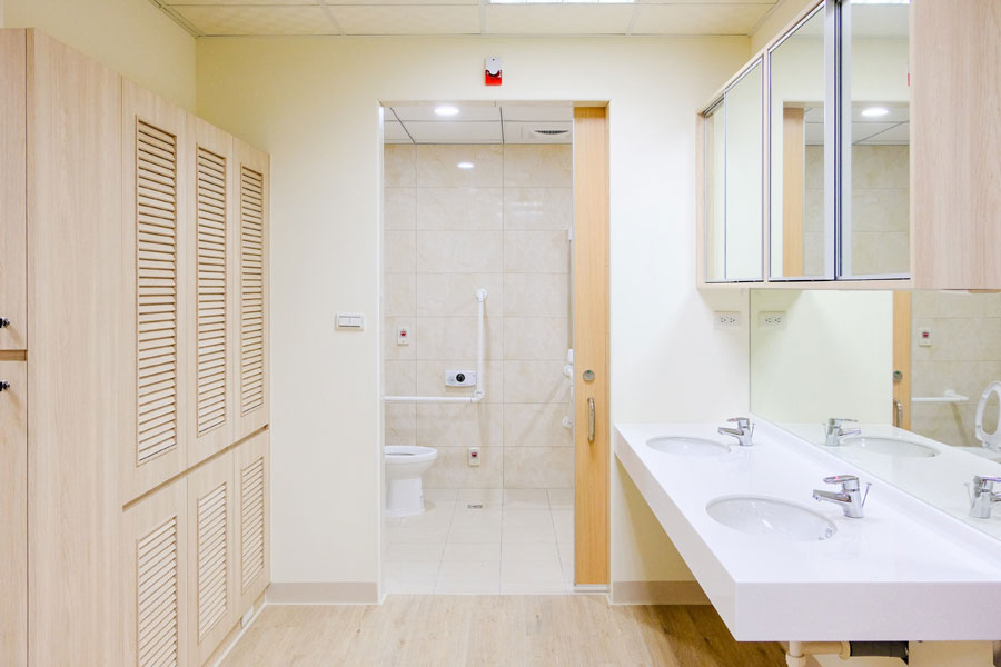 青松健康股份有限公司附設私立大雅綜合長照機構-廁所