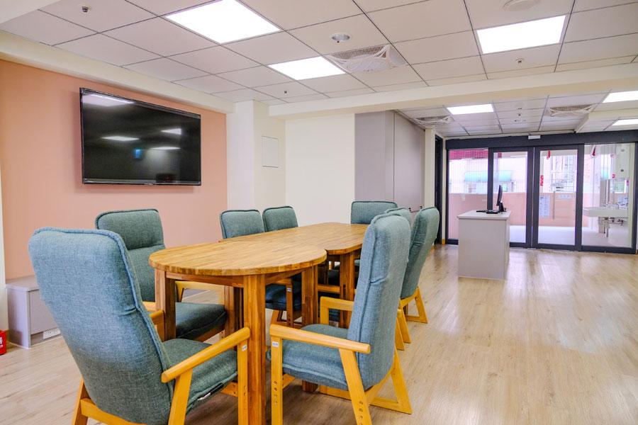 青松健康股份有限公司附設私立仁和綜合長照機構-休息區