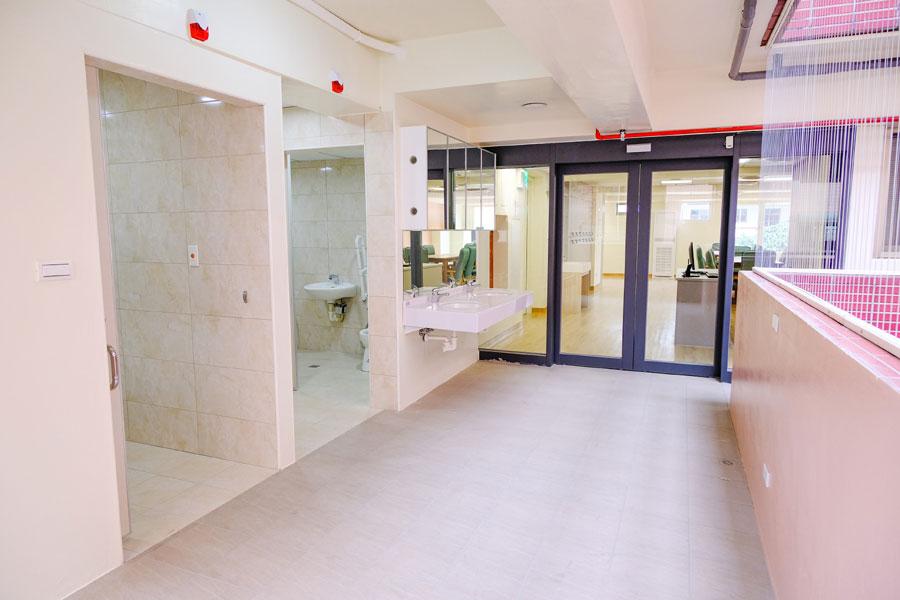 青松健康股份有限公司附設私立仁和綜合長照機構-走廊