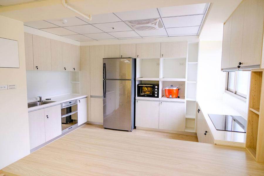 青松健康股份有限公司附設私立仁和綜合長照機構-廚房