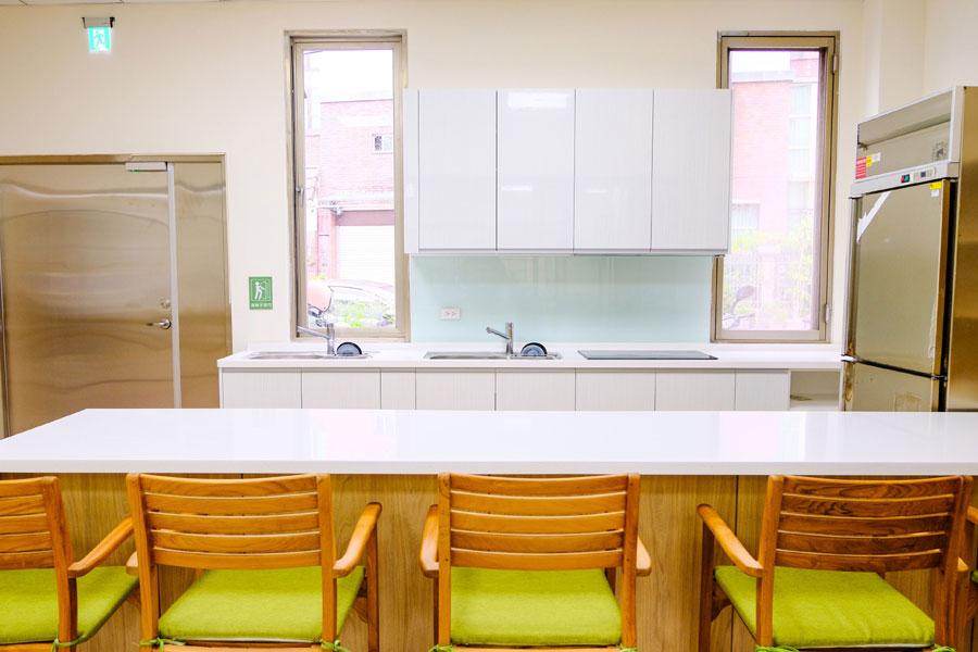 青松健康股份有限公司附設私立勝利綜合長照機構-廚房