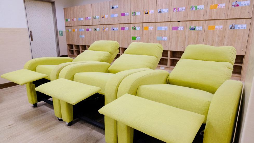青松健康股份有限公司附設私立上和社區長照機構-躺椅