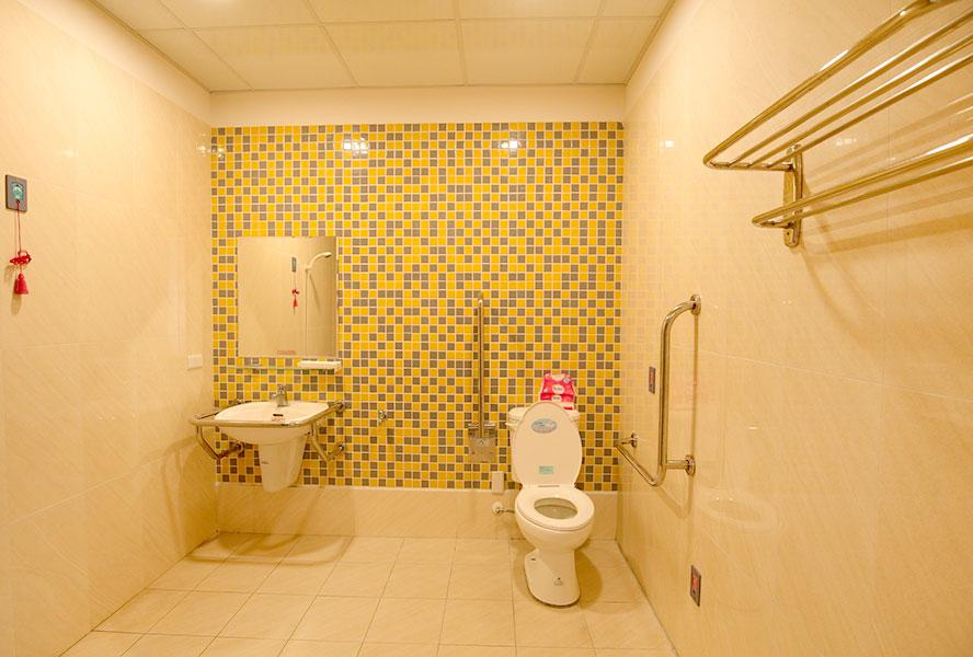 彰化縣彰秀護理之家-廁所