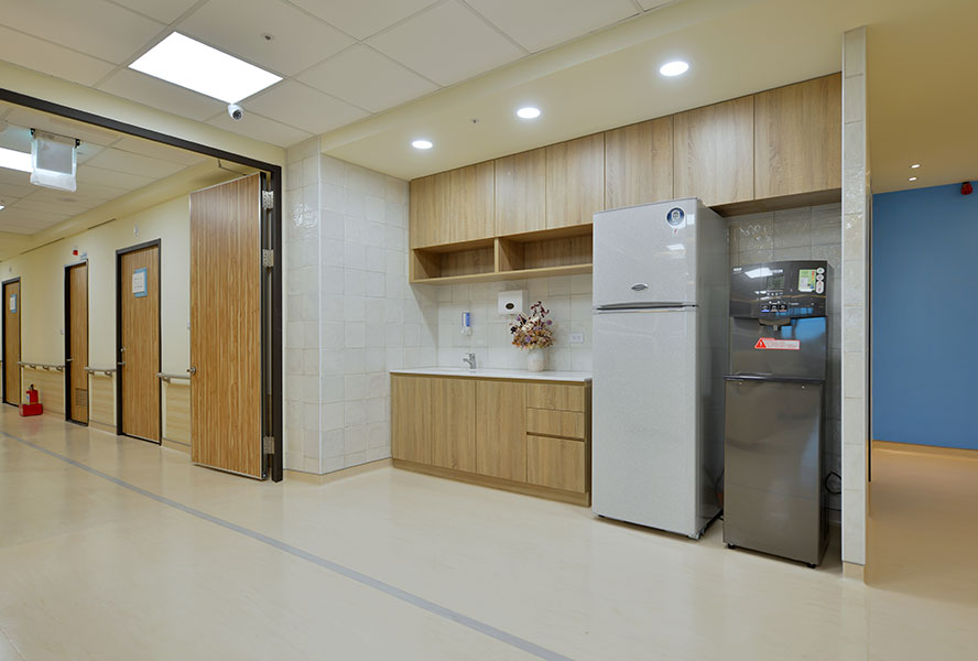 台南市安柏護理之家-調理區、飲水機