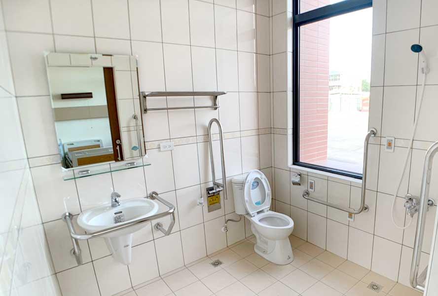 安護理之家-洗手間