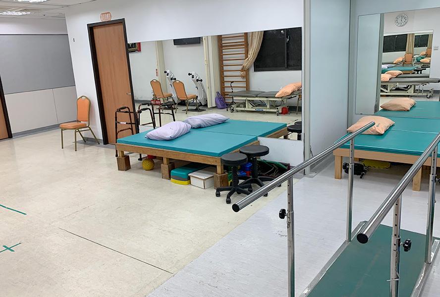 新北仁康醫院附設護理之家-復健科運動治療區2