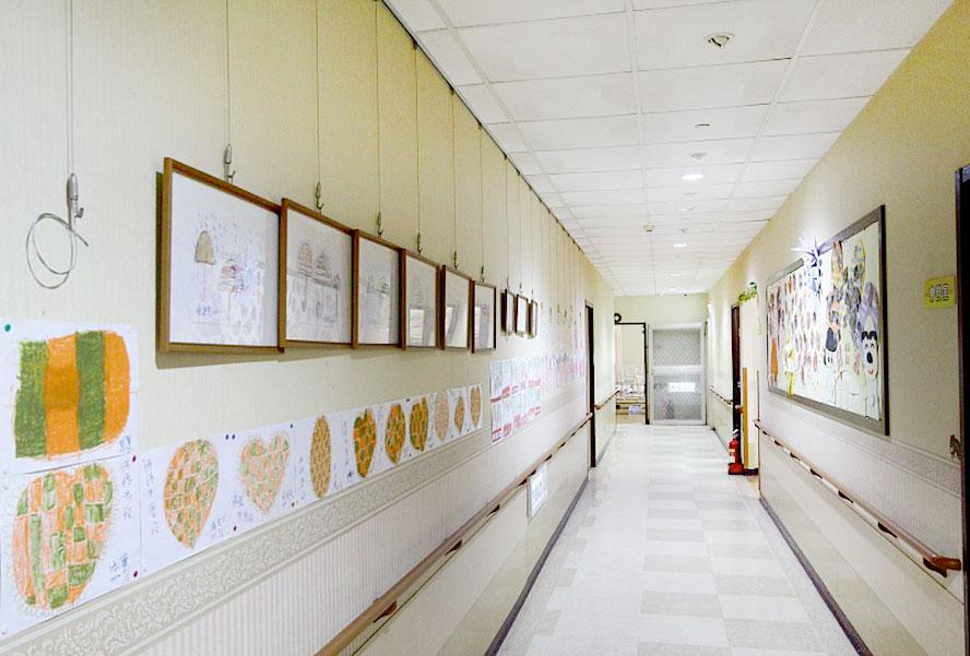 新北市新佳源護理之家-走廊