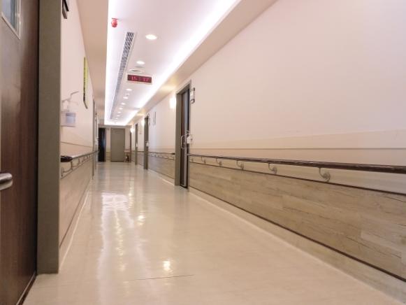 台中佳醫護理之家-走廊2
