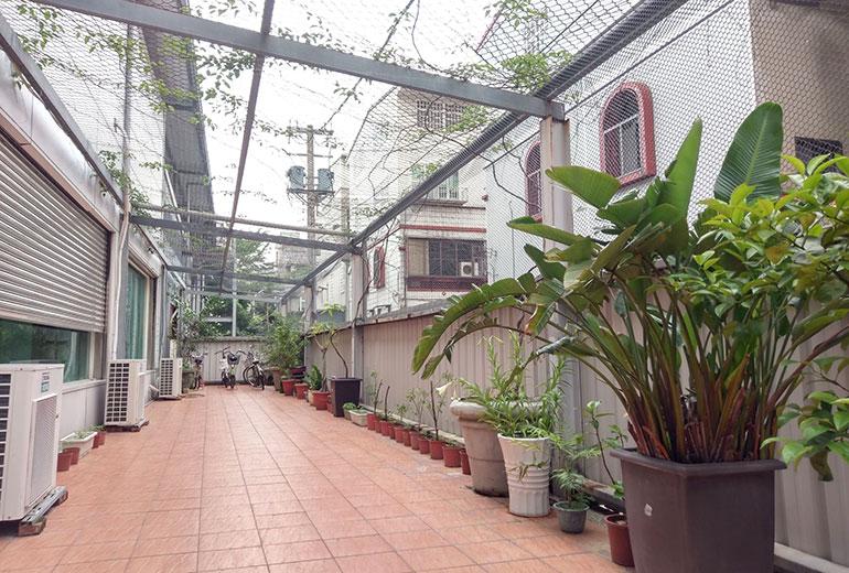 安心居護理之家-戶外走廊1