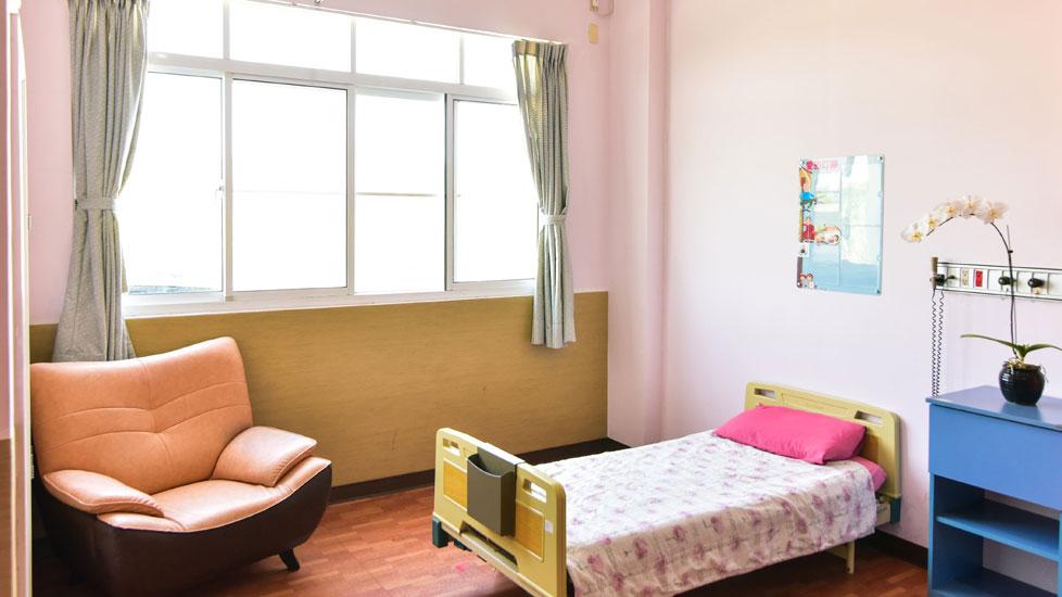 高雄市松和護理之家-房間1