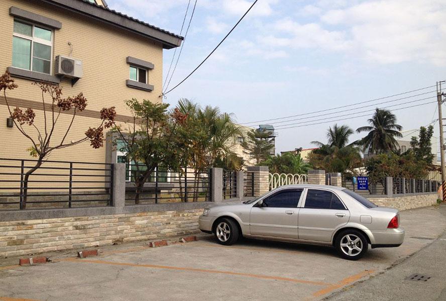 台南市私立聖祐護理之家-戶外停車場