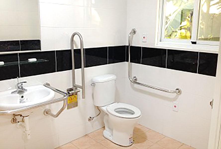 台南市私立聖祐護理之家-無障礙廁所