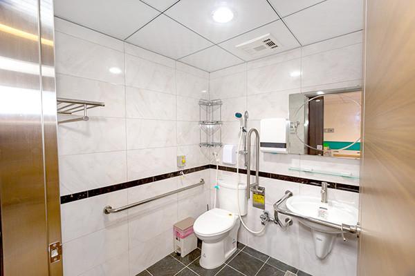 幸福護理之家-浴室